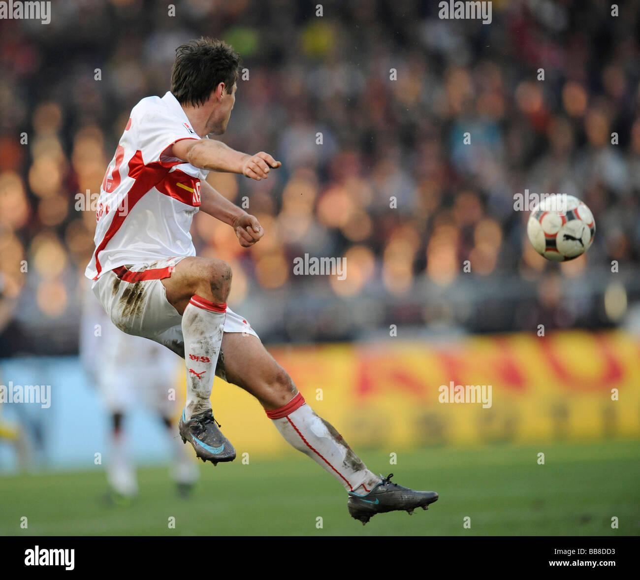 Christian Traesch, VfB Stuttgart, playing the ball - Stock Image
