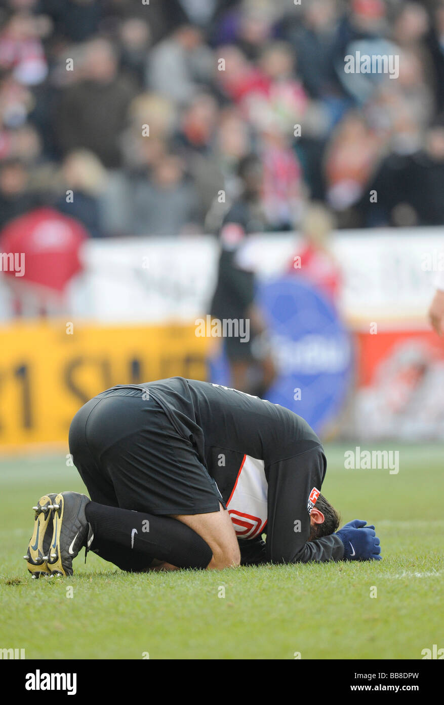 Josip SIMUNIC, Hertha BSC Berlin, on the ground, disappointed Stock Photo