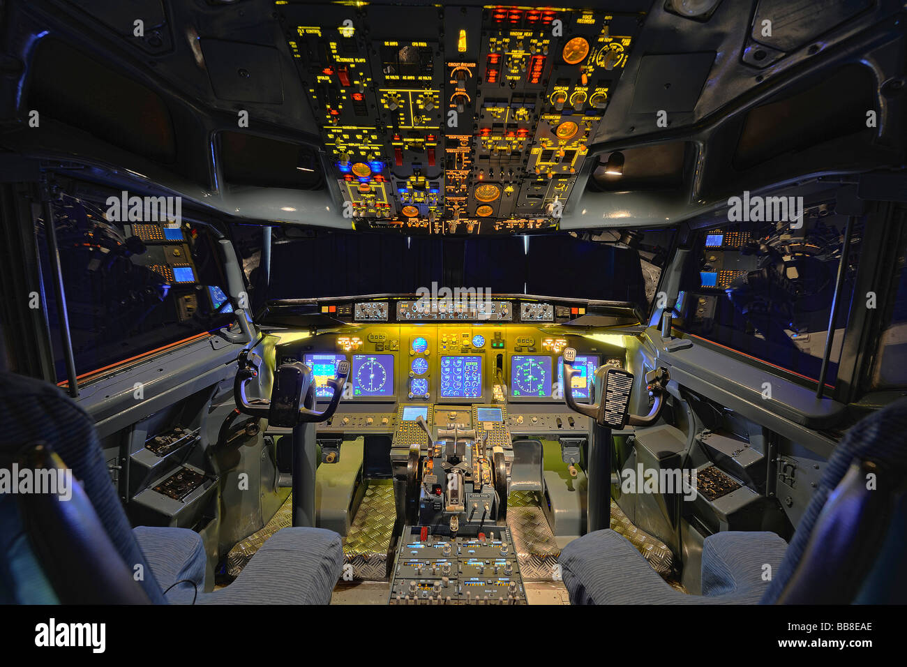 View of the cockpit of a Boeing 737 - 700 in a flight simulator by the Wulff/Zellner GbR company, Berlin, Germany - Stock Image