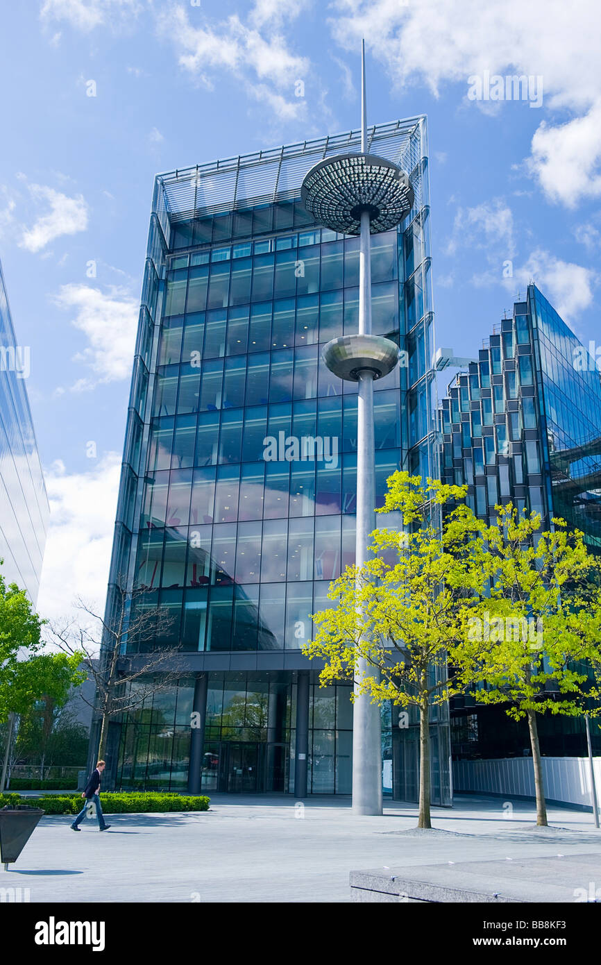 More London Riverside , landmark modern contemporary architecture glass office blocks designed by Foster & Partners - Stock Image