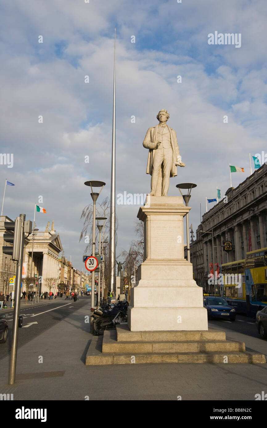 Statue of Sir John Gray and the Spire of Dublin, Monument of Light, O'Connell Street, Dublin, Ireland - Stock Image