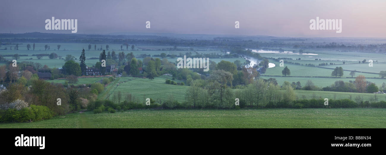 Dawn over the River Thames from Wittenham Clumps near Dorchester Oxfordshire Uk - Stock Image