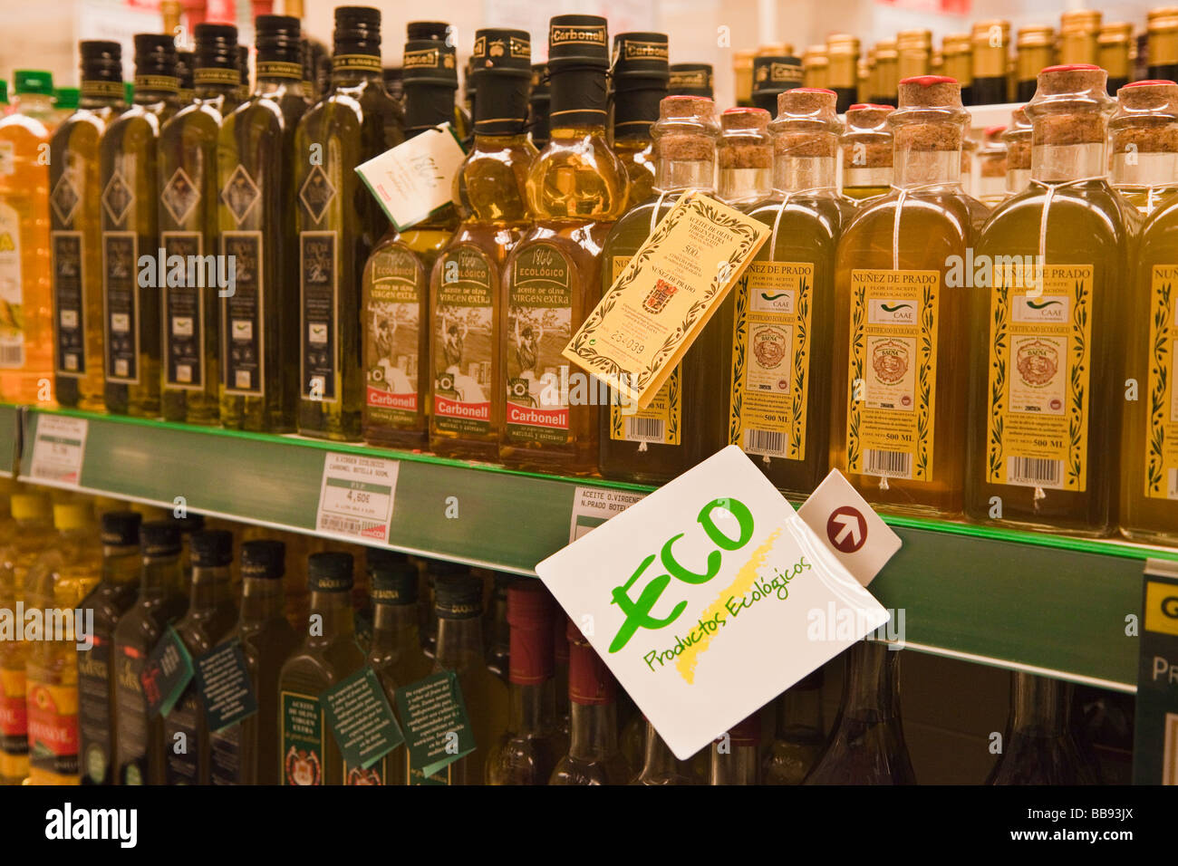 Olive Oil Production Stock Photos & Olive Oil Production Stock ...