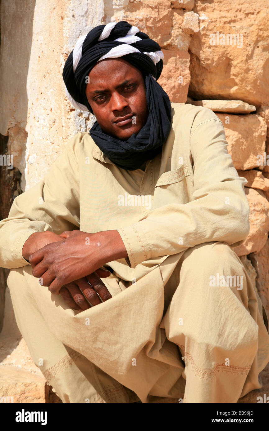 A berber guide with black and white turban in Douiret 7e024622d4c