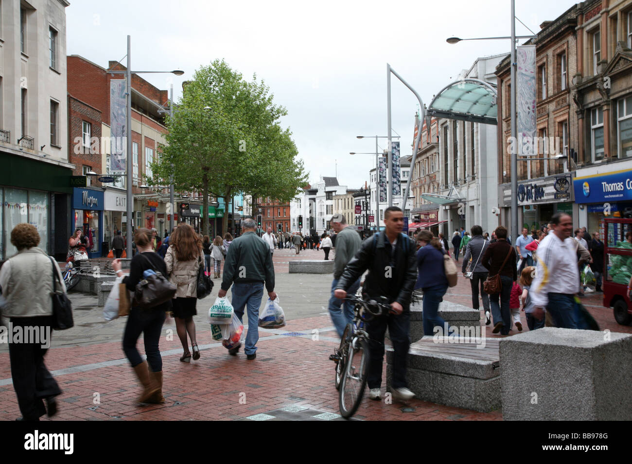 Broad Street is Reading's main shopping thoroughfare Stock Photo