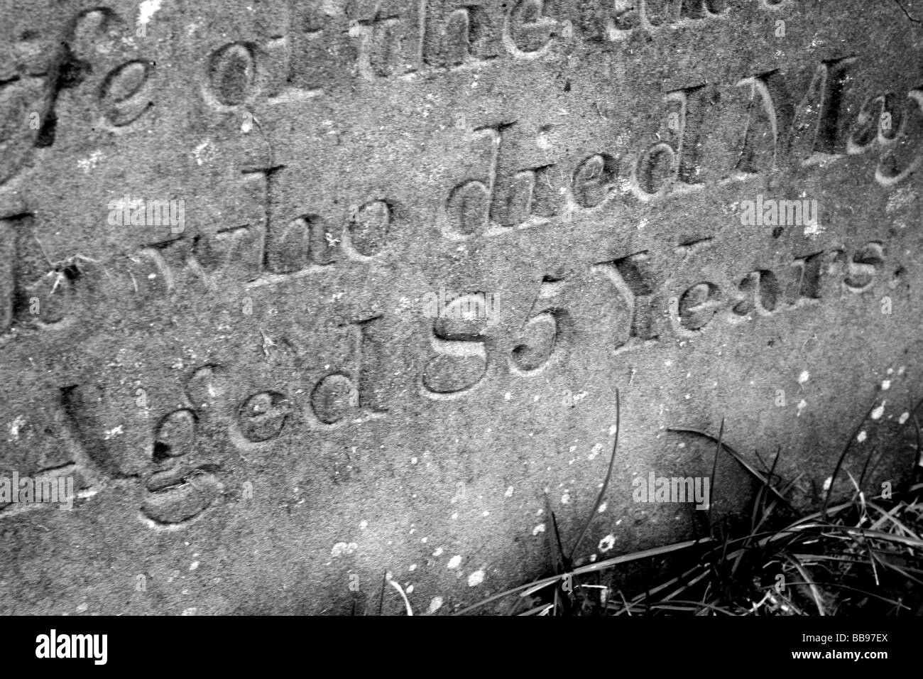 Close up of a tombstone showing someone who died aged 85 - Stock Image