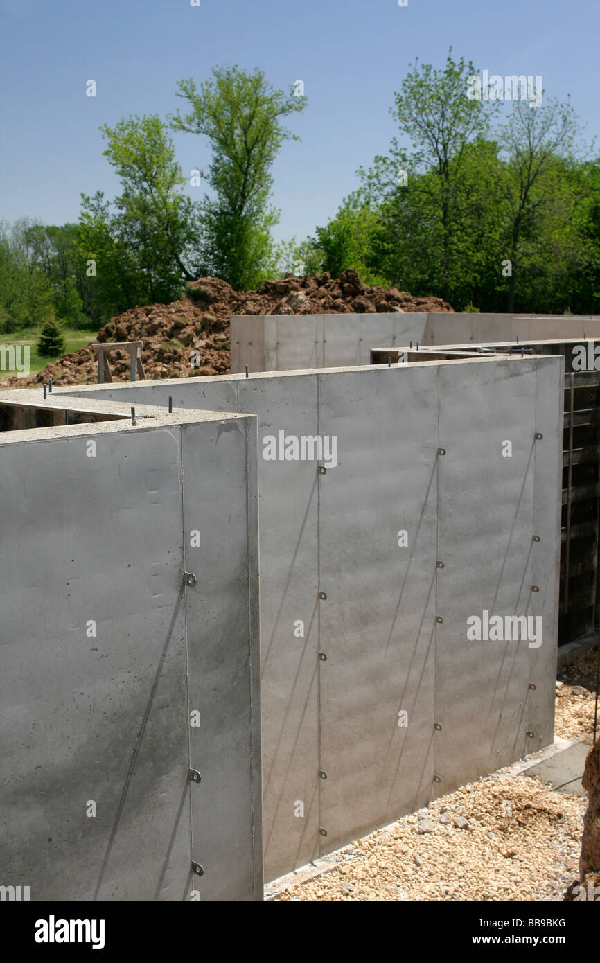 Poured concrete basement wall in new home construction - Stock Image & Rebar Wall Stock Photos u0026 Rebar Wall Stock Images - Alamy