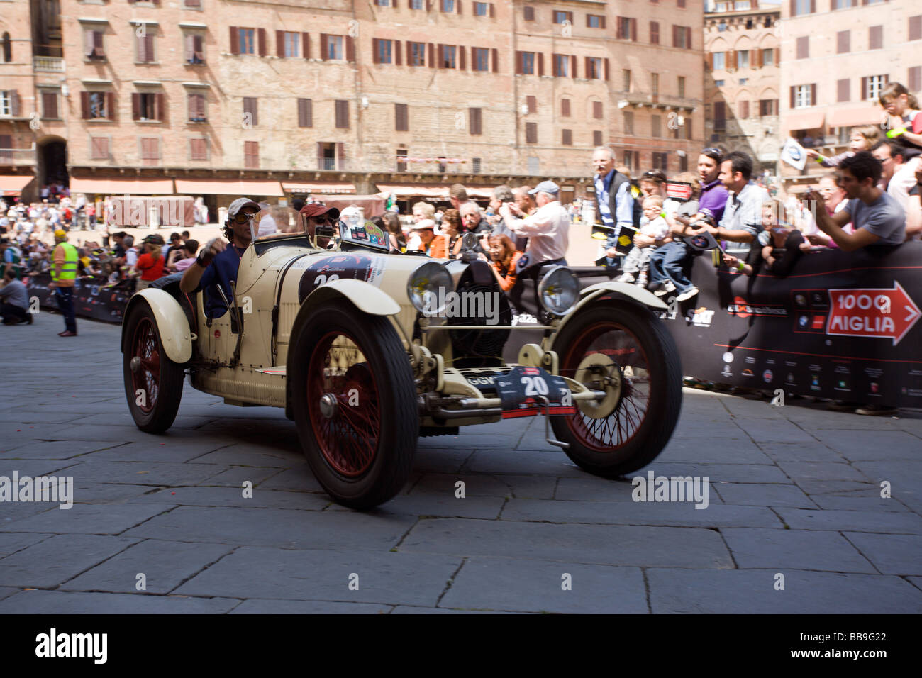vintage Bugatti type 35A at mille miglia 2009, arrival at Siena - Stock Image