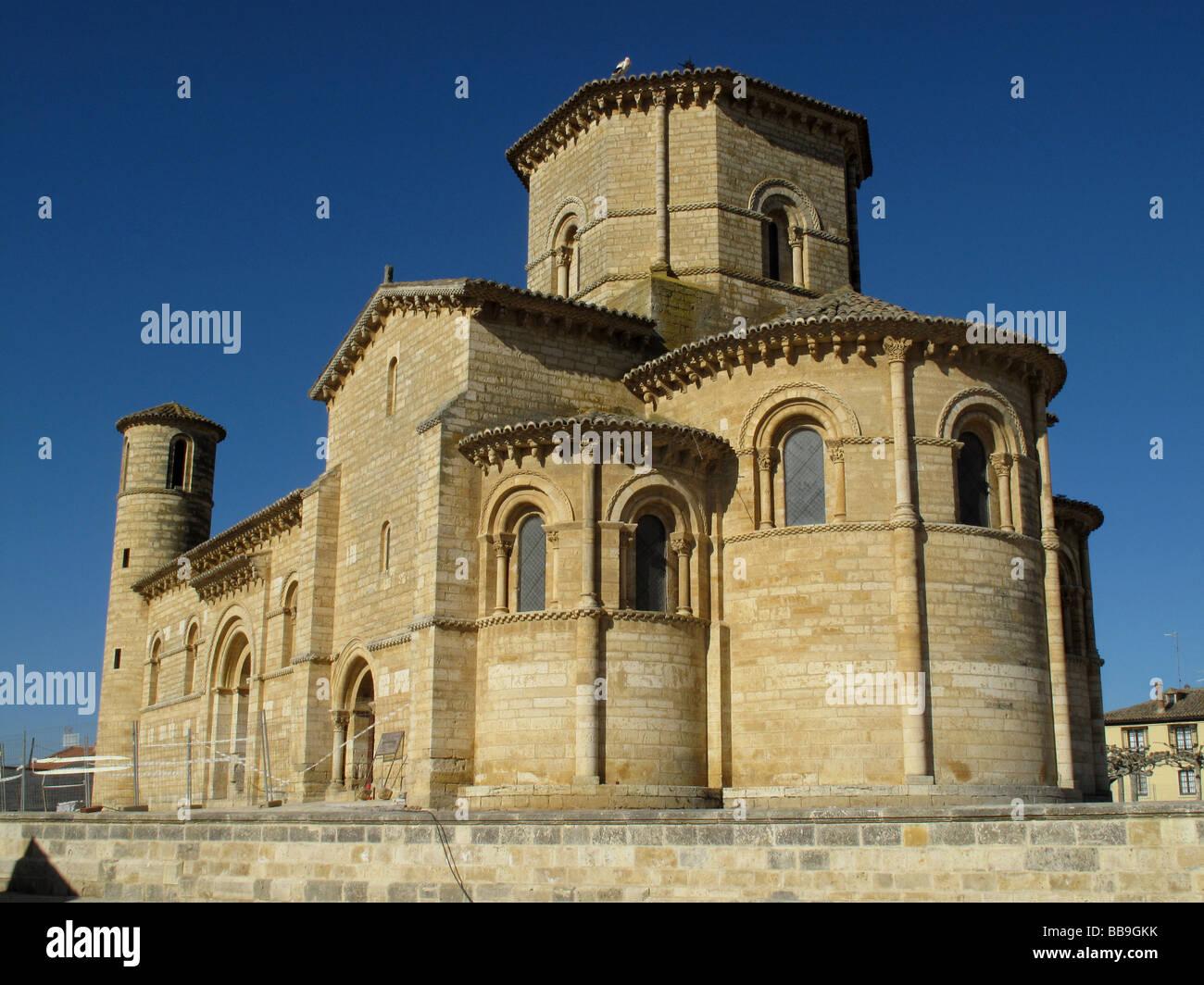 Iglesia romanica, Romanesque church of San Martin in FROMISTA Tierra de Campos area, Palencia province, SPAIN - - Stock Image