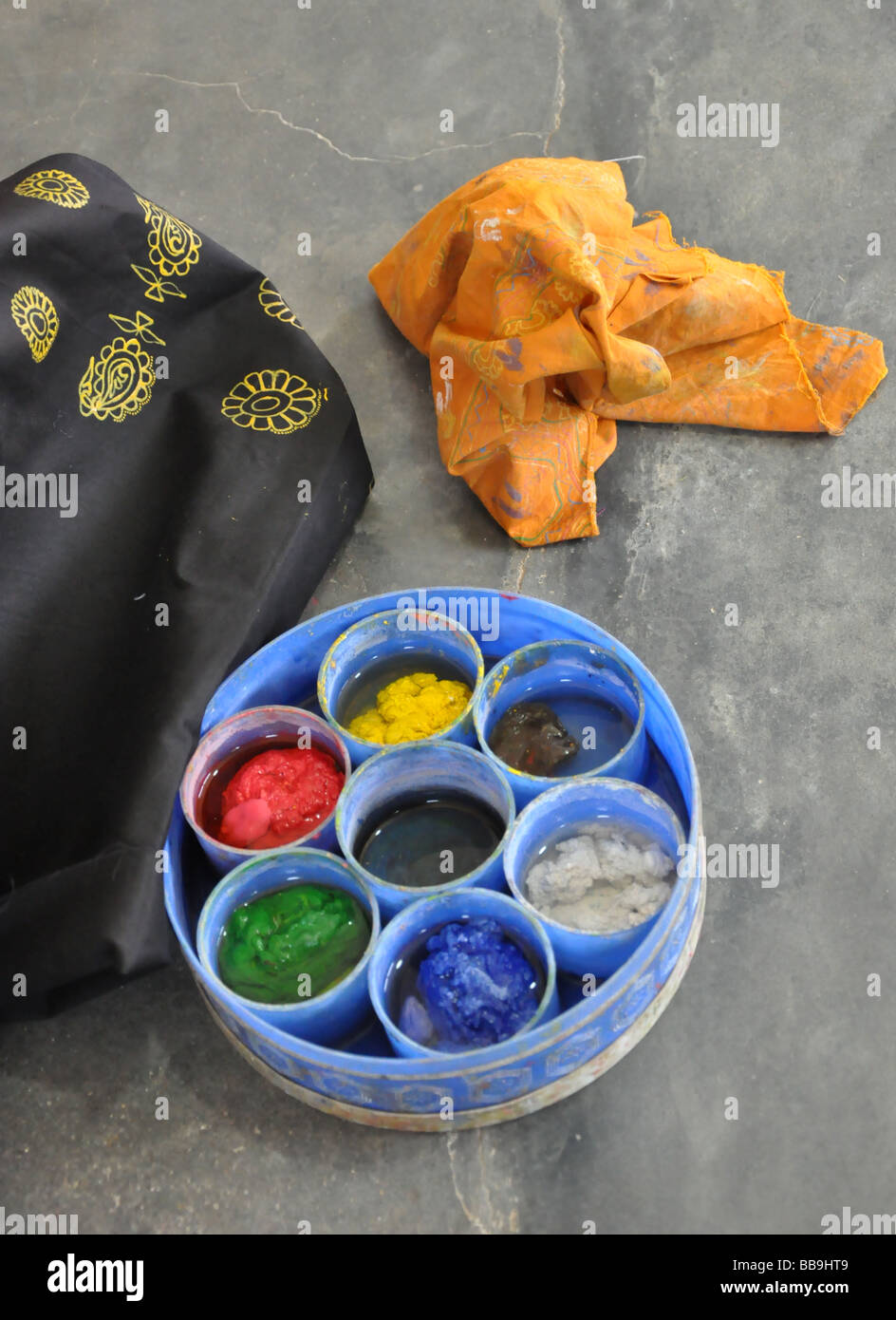 Colours ready for Rogan painting - Stock Image