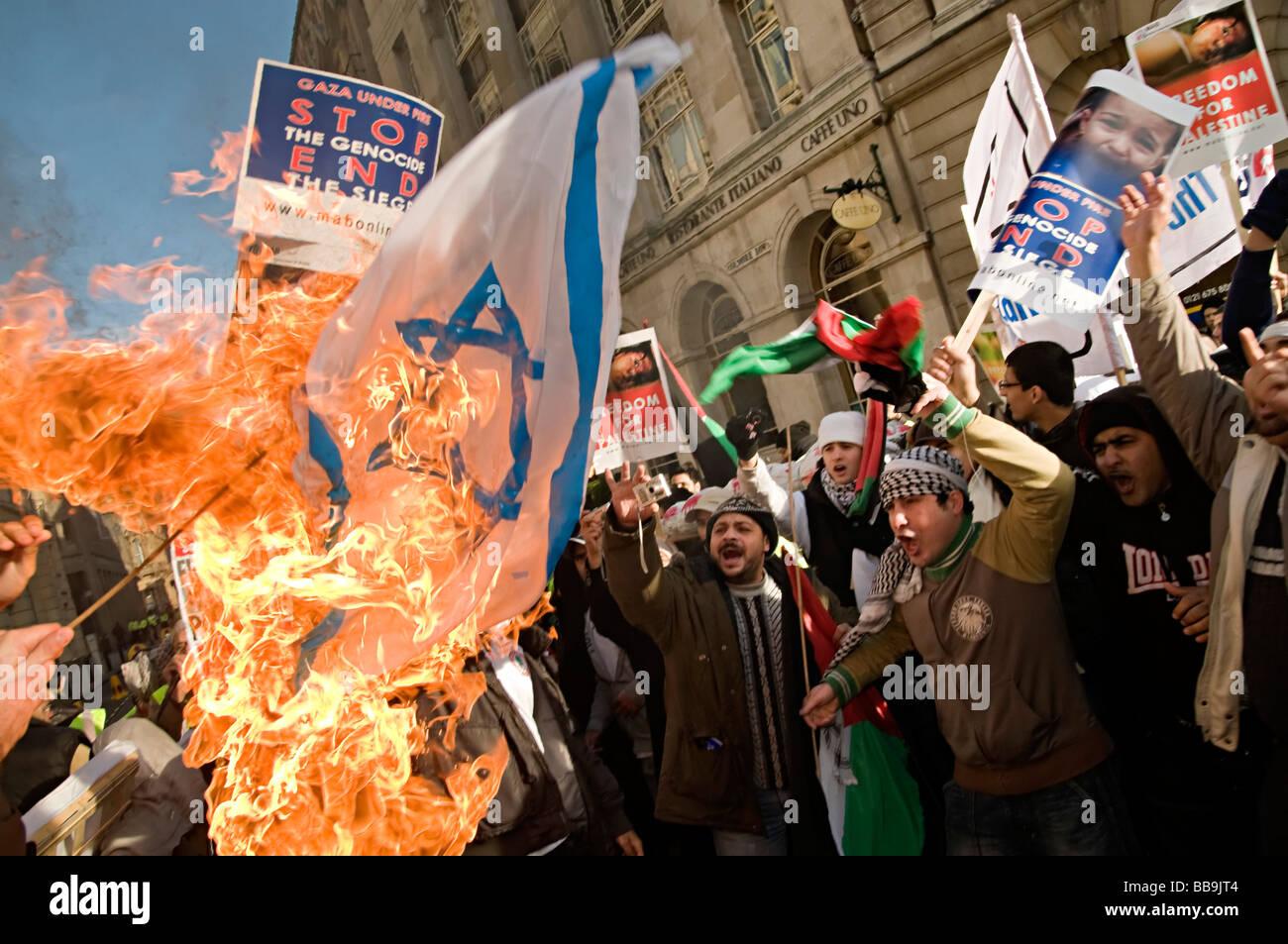 israeli flag burning gaza protest birmingham 2009 - Stock Image
