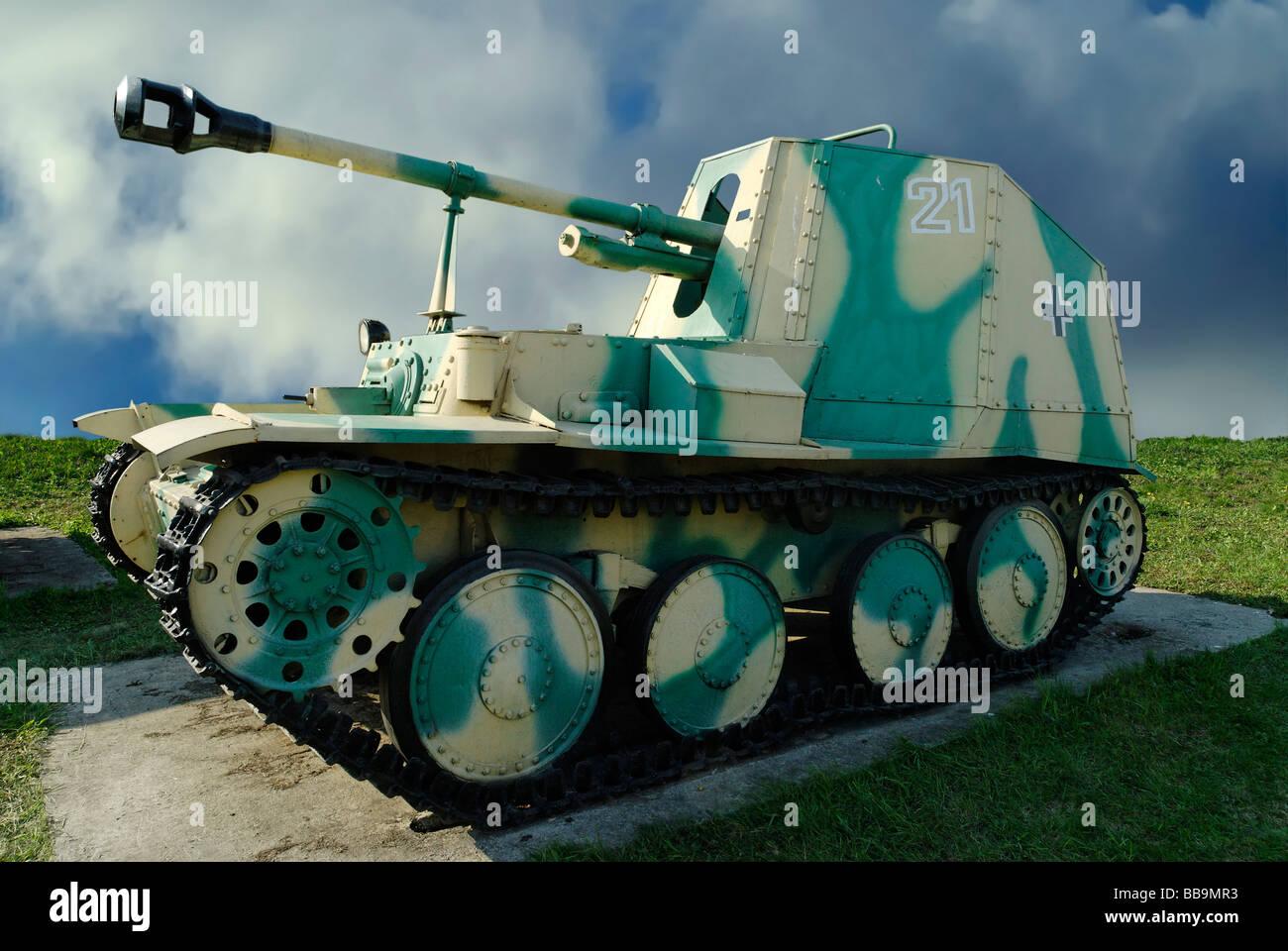 German 50 Mm Anti Tank Gun: 75 Mm Stock Photos & 75 Mm Stock Images