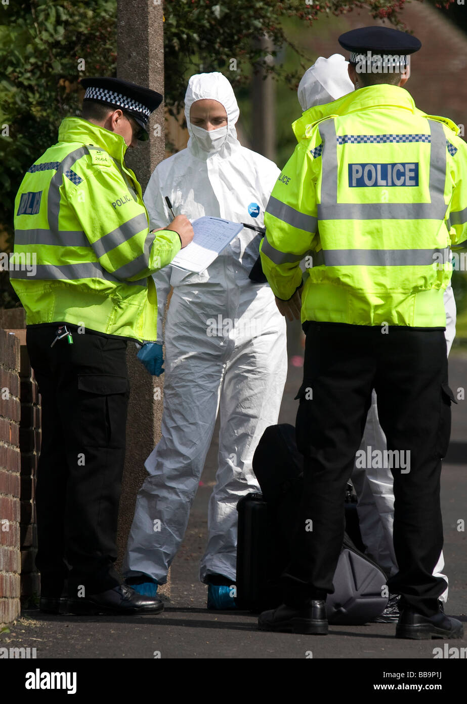 Forensic Officers from the Hertfordshire and Bedforshire Forensic Specialist Units arrive at the scene of a triple - Stock Image