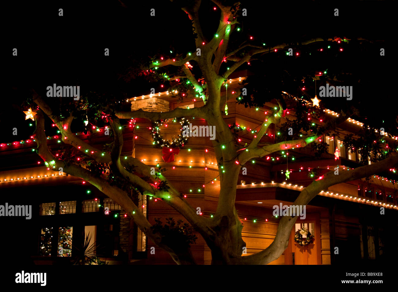 Home decorated with christmas lights - Stock Image