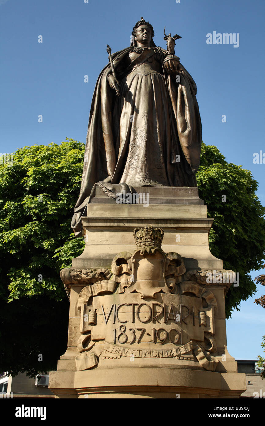 Queen Victoria ruled 1837 - 1901  Empress of India depicted in a sculpture by Alfred Drury Bradford Yorkshire England - Stock Image