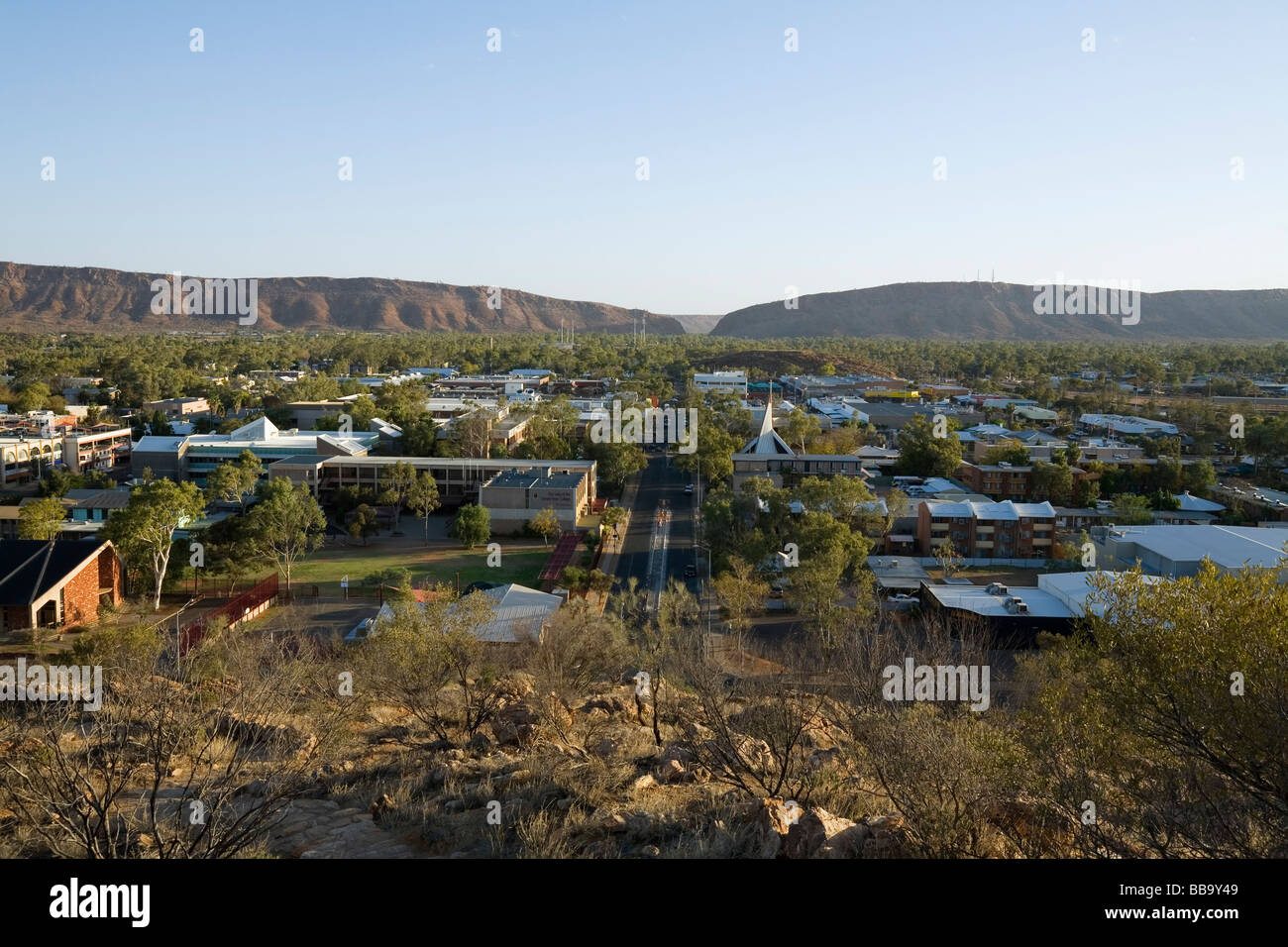 View over the outback town of Alice Springs from Anzac Hill.  Alice Springs, Northern Territory, AUSTRALIA - Stock Image