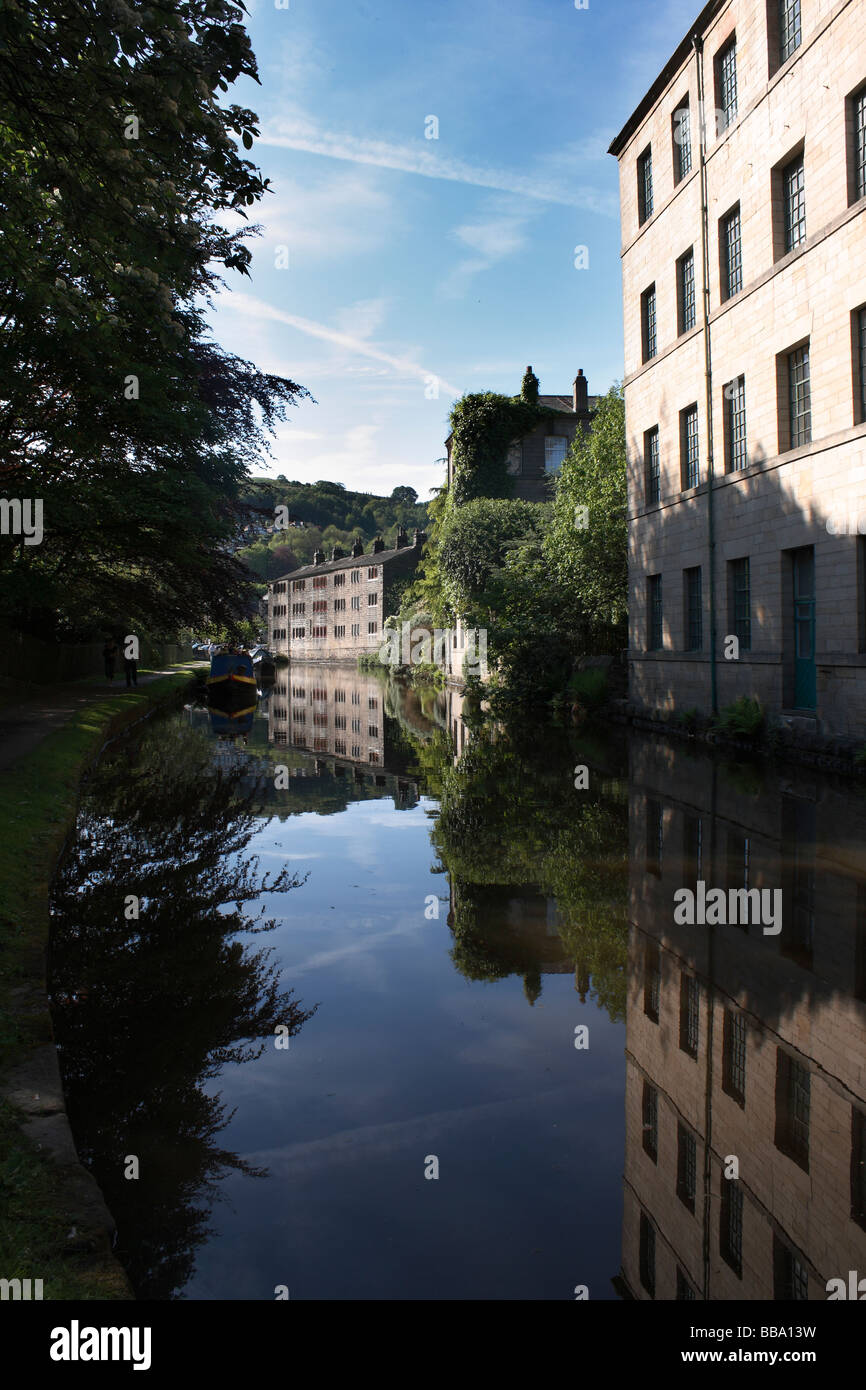 Old converted cotton mills next to the Rochdale Canal in Hebden Bridge,  West Yorkshire - Stock Image