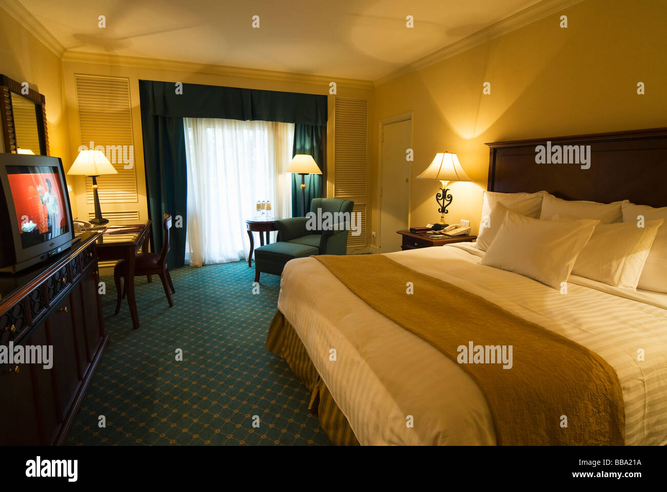 Royal Albert Arms Hotel Room
