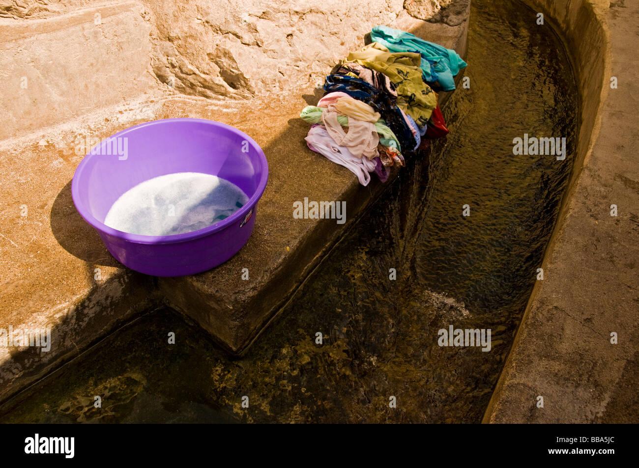 Aflaj ancient water irrigation system in the village of Misfat Al Abriyyin in Jabal Al Akhdar, Dhakiliya region - Stock Image