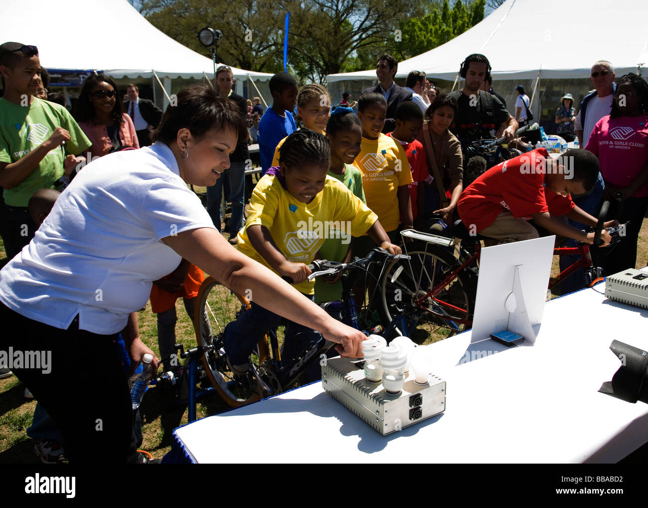 US EPA Administrator Lisa Jackson Talks To Kids About Energy Use And