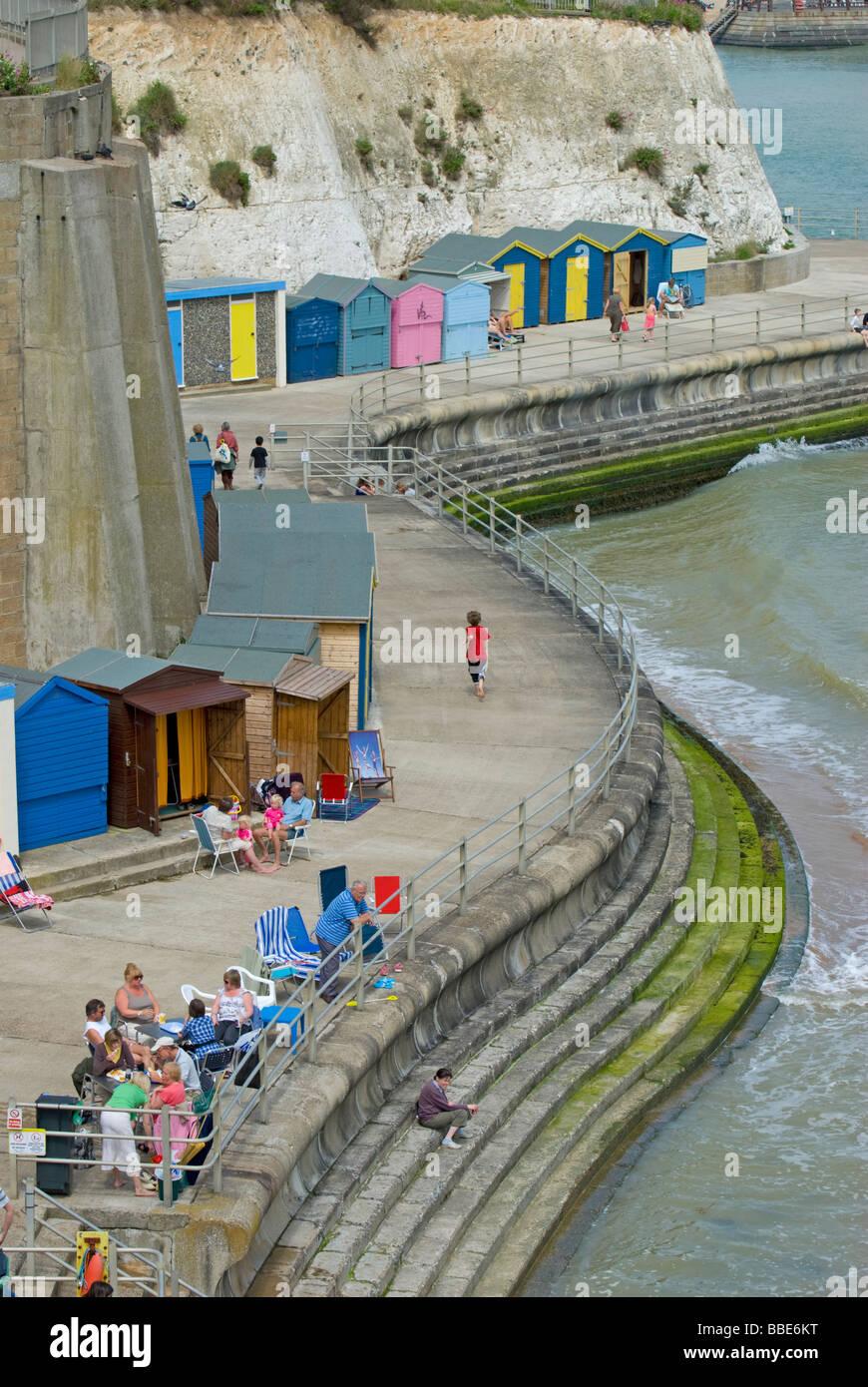 Broadstairs, Kent, England, UK. Louisa Bay. Families and beach huts - Stock Image