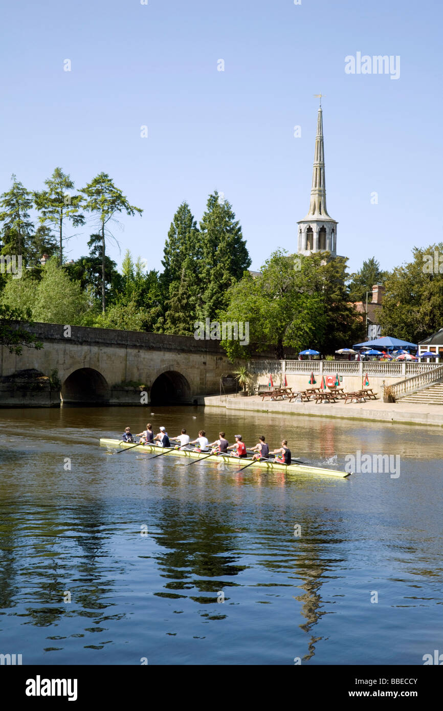 A rowing eight on the river Thames at Wallingford, Oxfordshire, UK - Stock Image