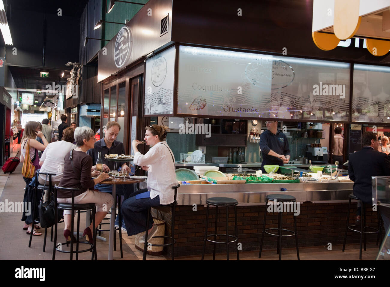 sea food restaurant in les halles de lyon paul bocuse gourmet market stock photo 24293479 alamy. Black Bedroom Furniture Sets. Home Design Ideas