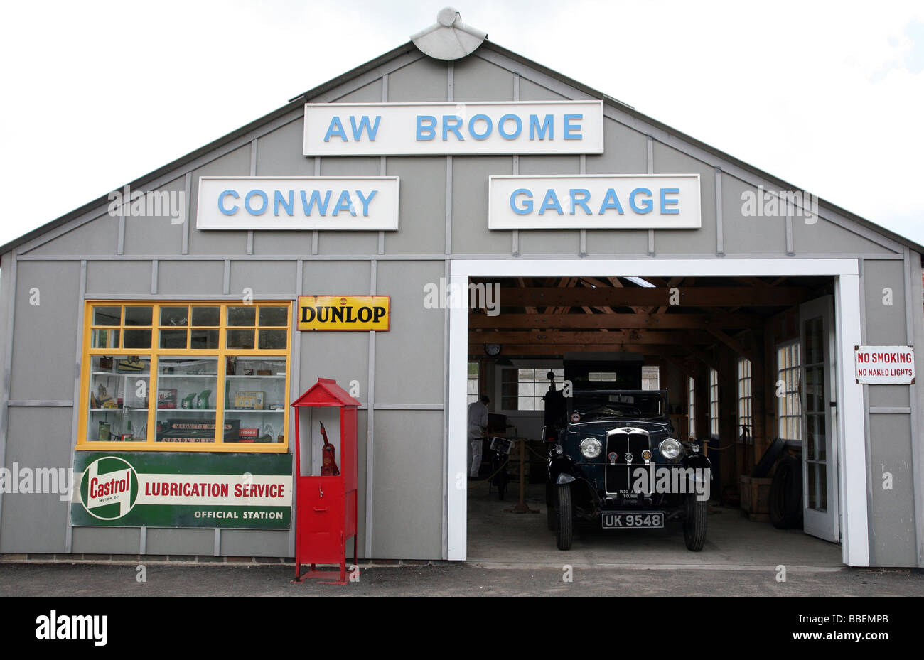 1930s style garage at Black Country Living Museum in W Midlands - Stock Image