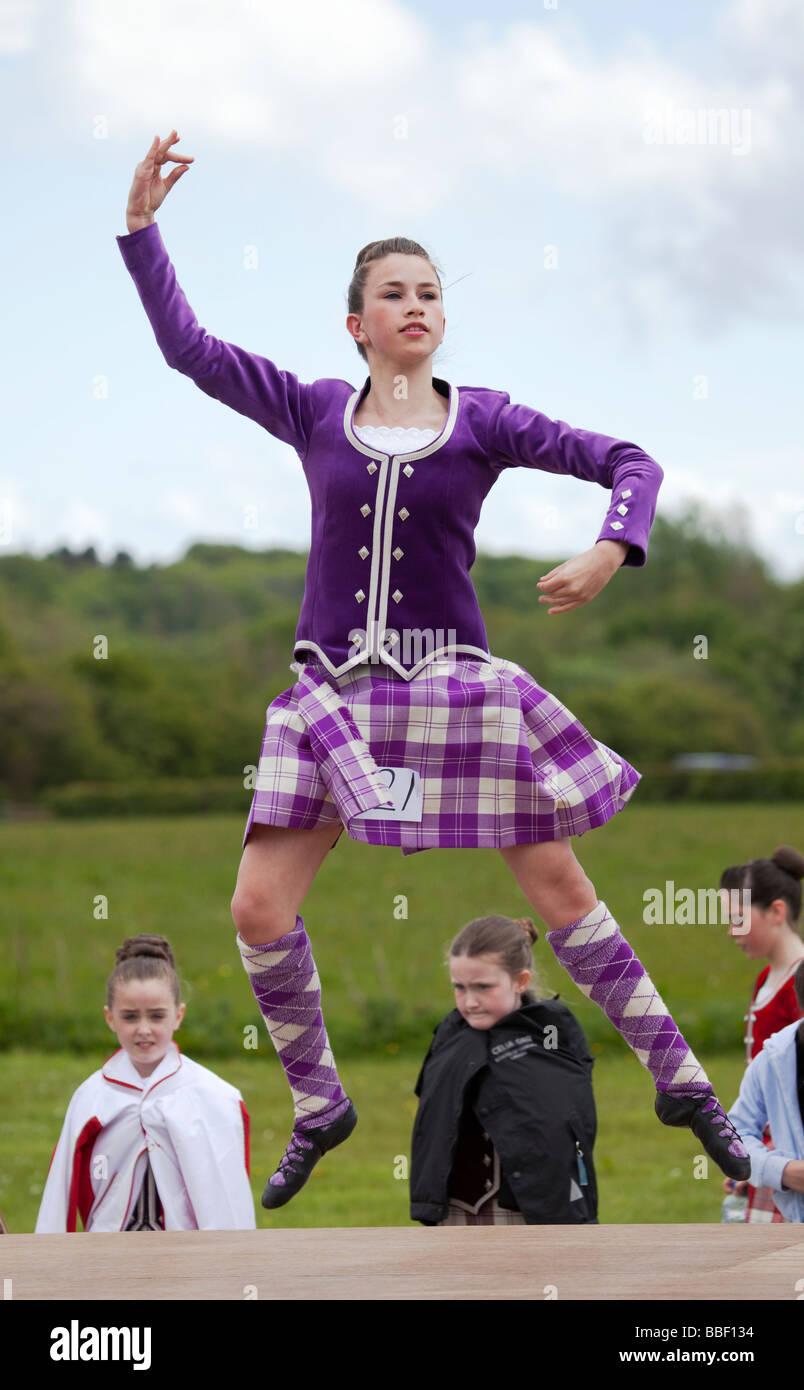 highland-teen-girls