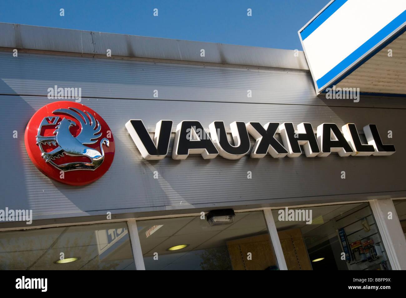 vauxhall car cars gm general motors magna european brand brands english uk dealer dealership dealerships network - Stock Image