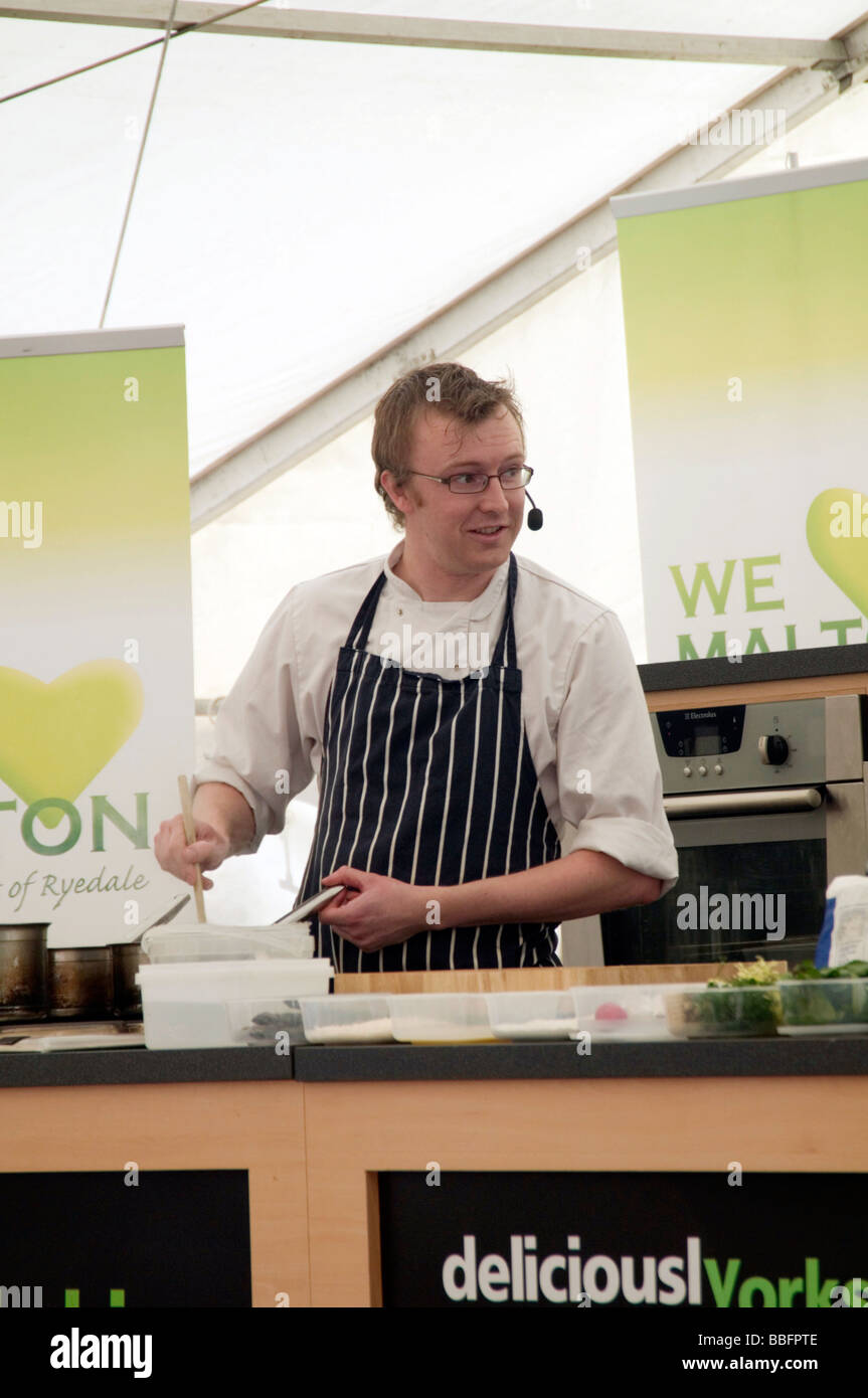 live cooking demonstration chief chiefs celebrity celebrities demo training food cookery school class home economics - Stock Image