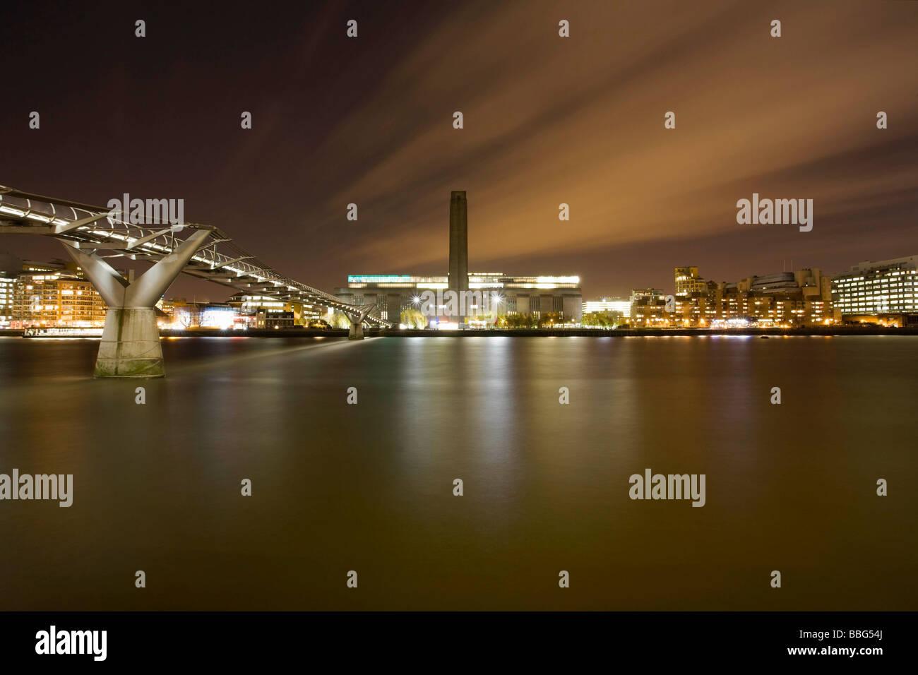 Tate Modern and Millennium Bridge Stock Photo