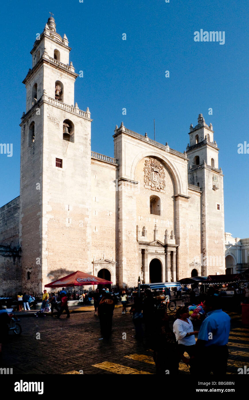 Cathedral of San Idelfonso in the Plaza Mayor square in Merida, Yucatan, Mexico, Central America - Stock Image