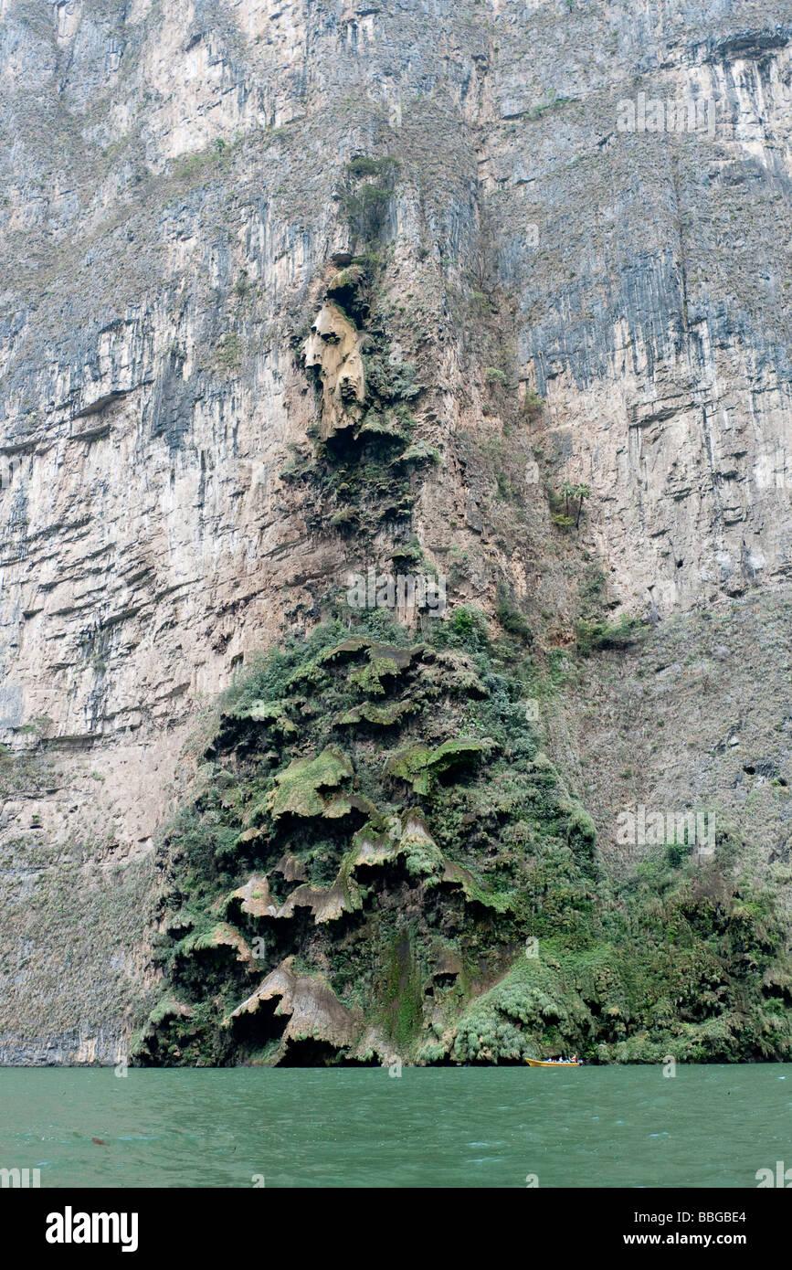 Canon del Sumidero, Sumidero Gorge, Sumidero Canyon, with the limestone formation El Arbol de Navidad, Christmas - Stock Image