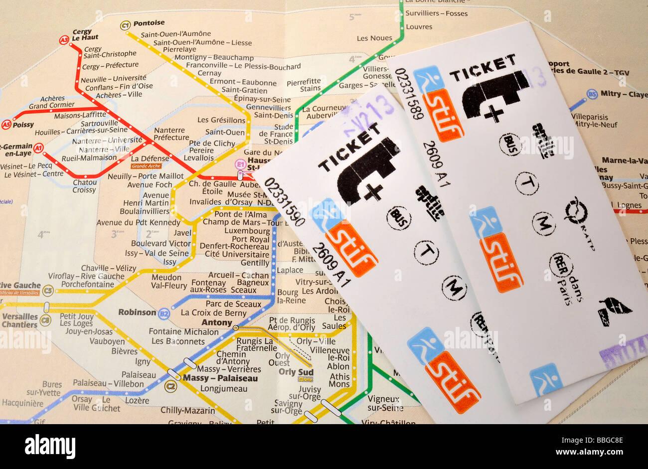 Single tickets on a plan of the Paris Metro, Paris, France, Europe - Stock Image
