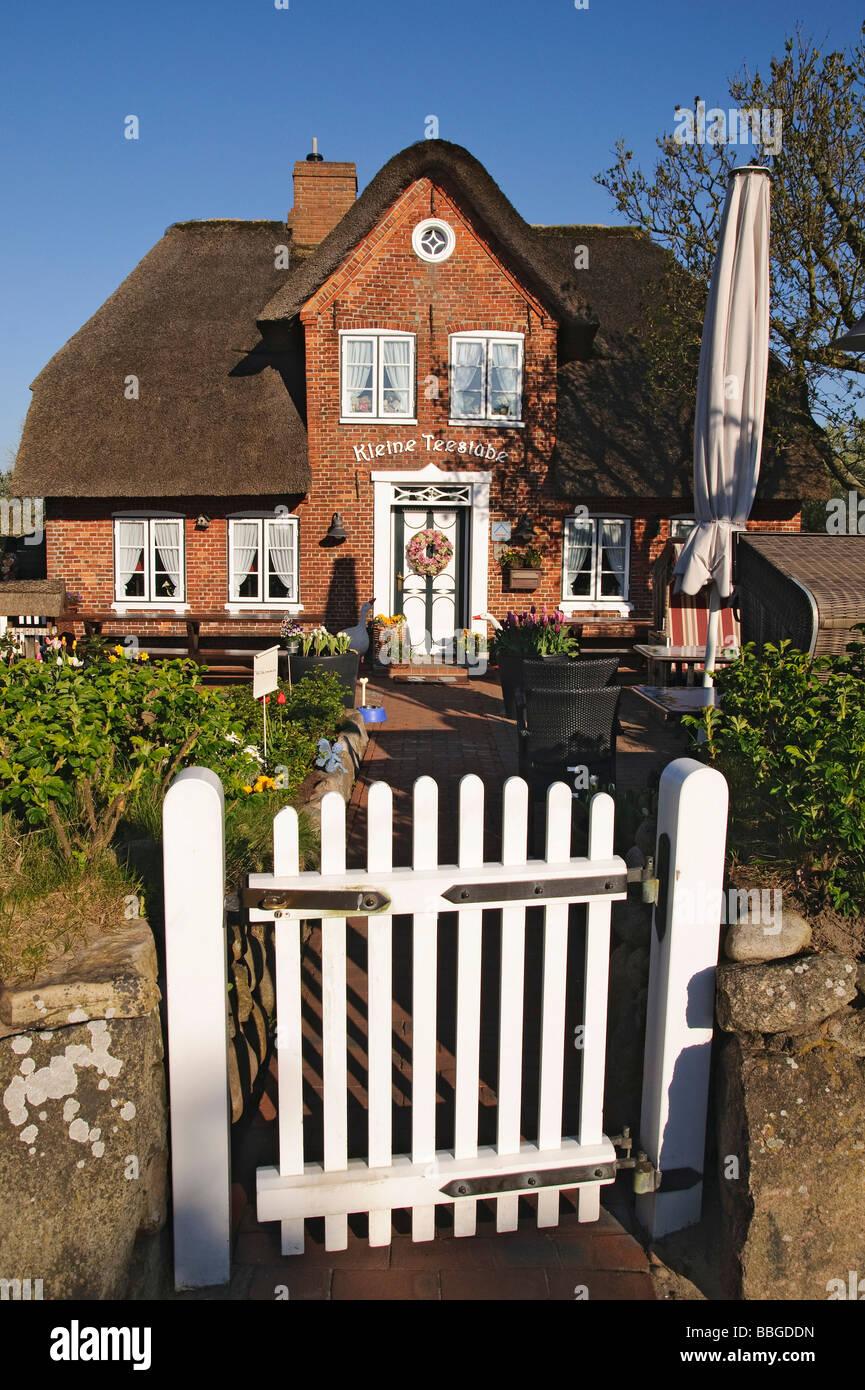 Cafe 'Kleine Teestube', small tearoom, in Keitum, Sylt island, Schleswig-Holstein, Germany, Europe - Stock Image