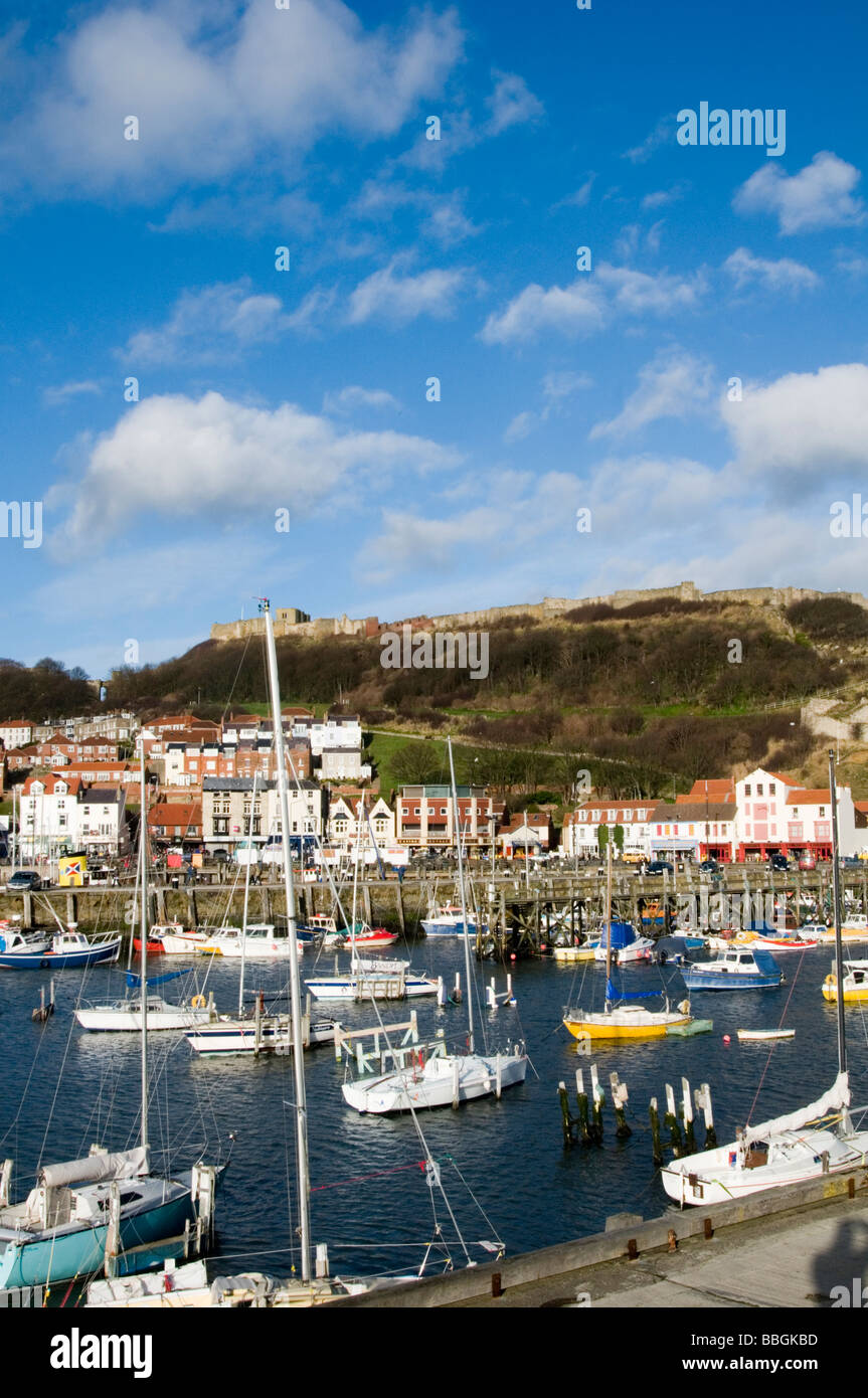 scarborough harbor east yorkshire uk harbor harbors fishing fishing boats boat industry pleasure craft yacht yachting - Stock Image