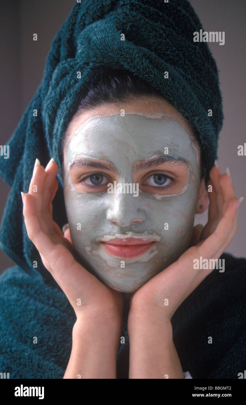 how to clear dead skin cells on face