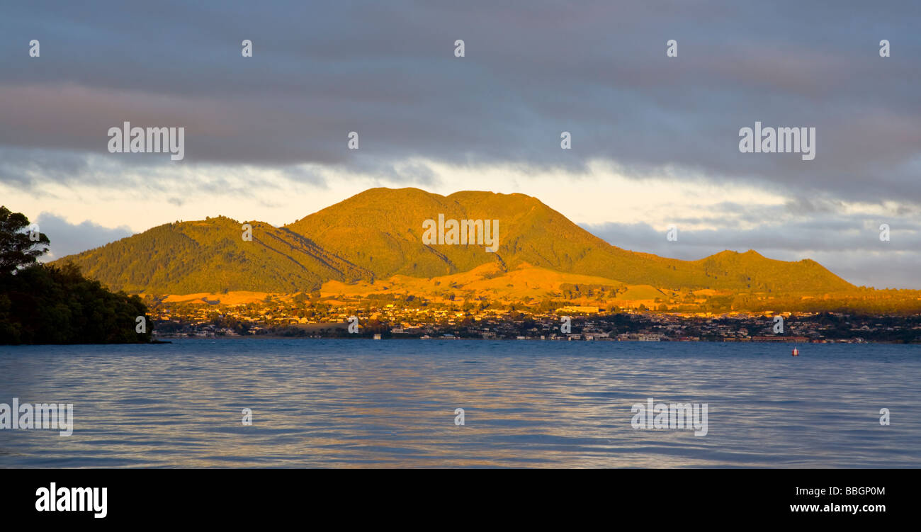 Evening light on Mountains Behind Taupo viewed from Acacia Bay North Island New Zealand - Stock Image