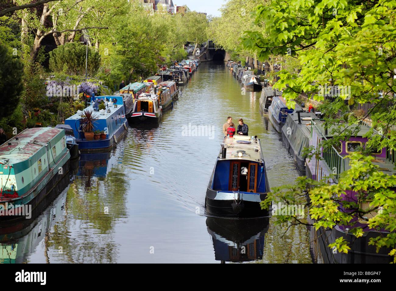 narrow boats on grand union canal london england united kingdom great britain uk - Stock Image
