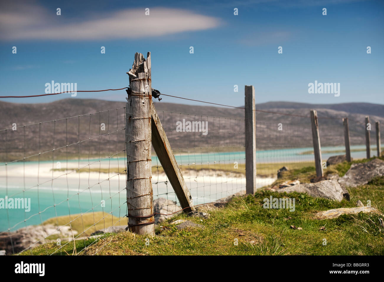 Old Wooden fence post on coastal cliffs, Isle of Harris, Outer Hebrides, Scotland - Stock Image
