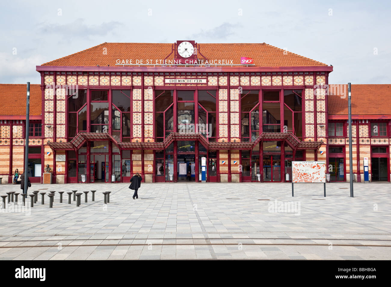 Gare de Saint Etienne Chateaucreux Chateaucreux train station Saint Etienne  France - Stock Image d350832624cd