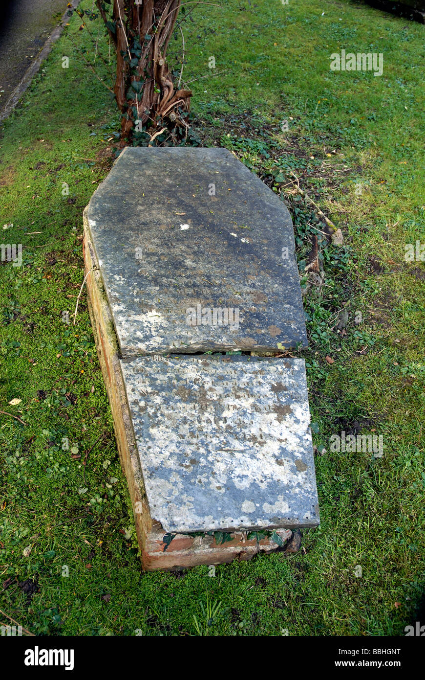 Coffin shaped grave, Padstow churchyard, Cornwall, Britain, UK - Stock Image