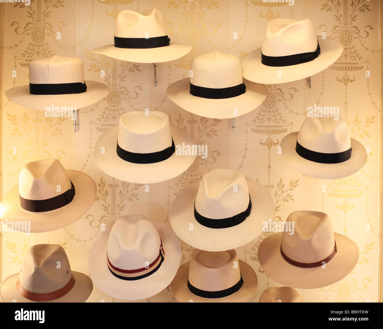 d03b160517b38 Hat shop James Lock Co number 6 St James s Street London - Stock Image