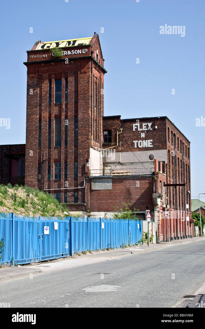Gym in Kingston Mills, former cotton spinning mill, Cobden St., Pendlebury, Salford, Greater Manchester. UK - Stock Image