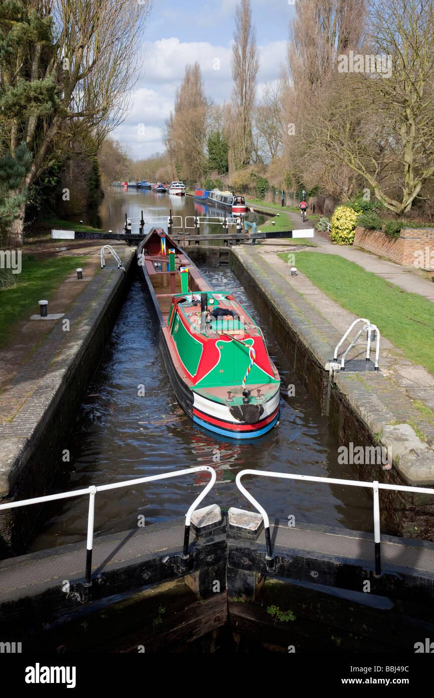 Uxbridge Lock with freight barge, Grand Union Canal, Uxbridge, Buckinghamshire, England - Stock Image