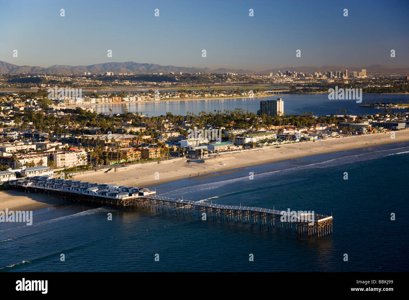 Crystal Pier At Pacific Beach And Mission Bay San Diego California Stock Photo 24403045 Alamy