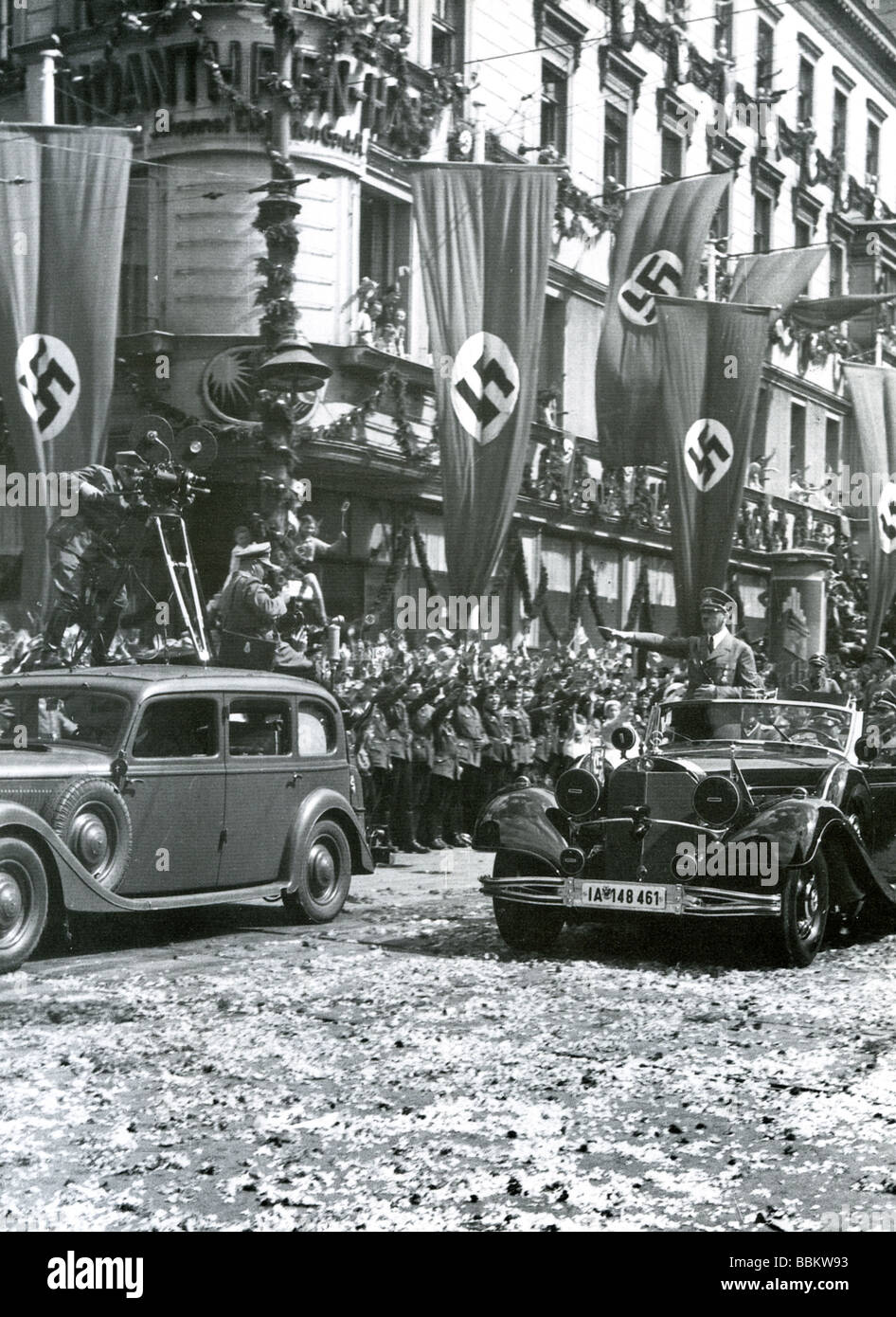 HITLER  gives the facist salute at the Berlin Victory parade on 19 July 1940 to mark the defeat of France - Stock Image
