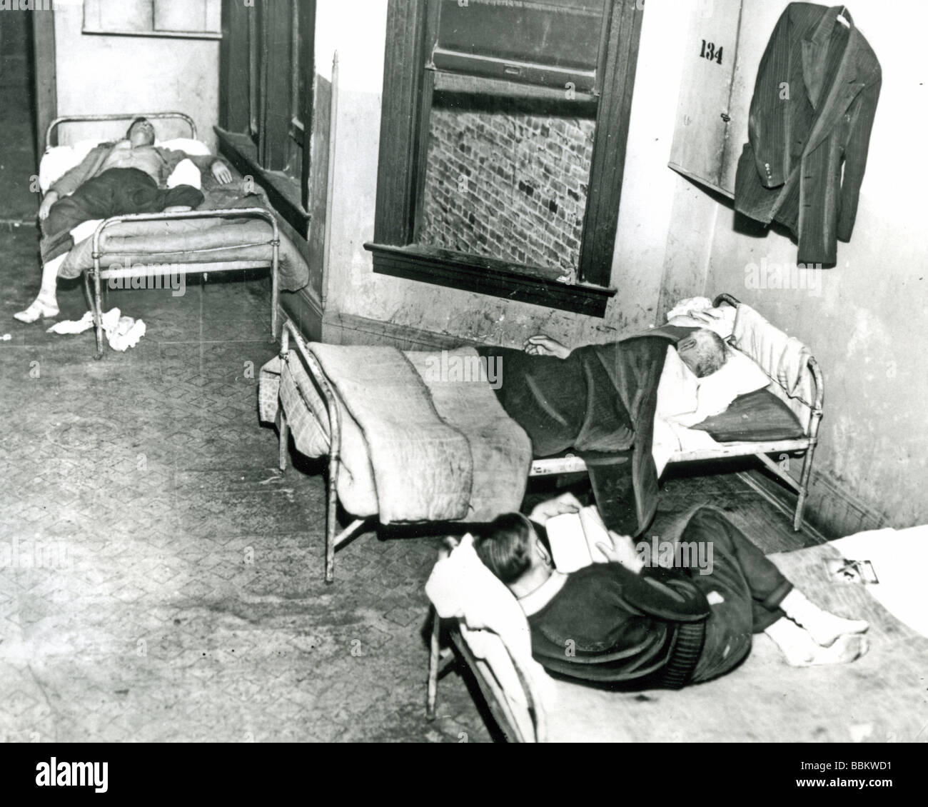 POVERTY  A Chicago flophouse during the Great Depression of the 1930s - Stock Image