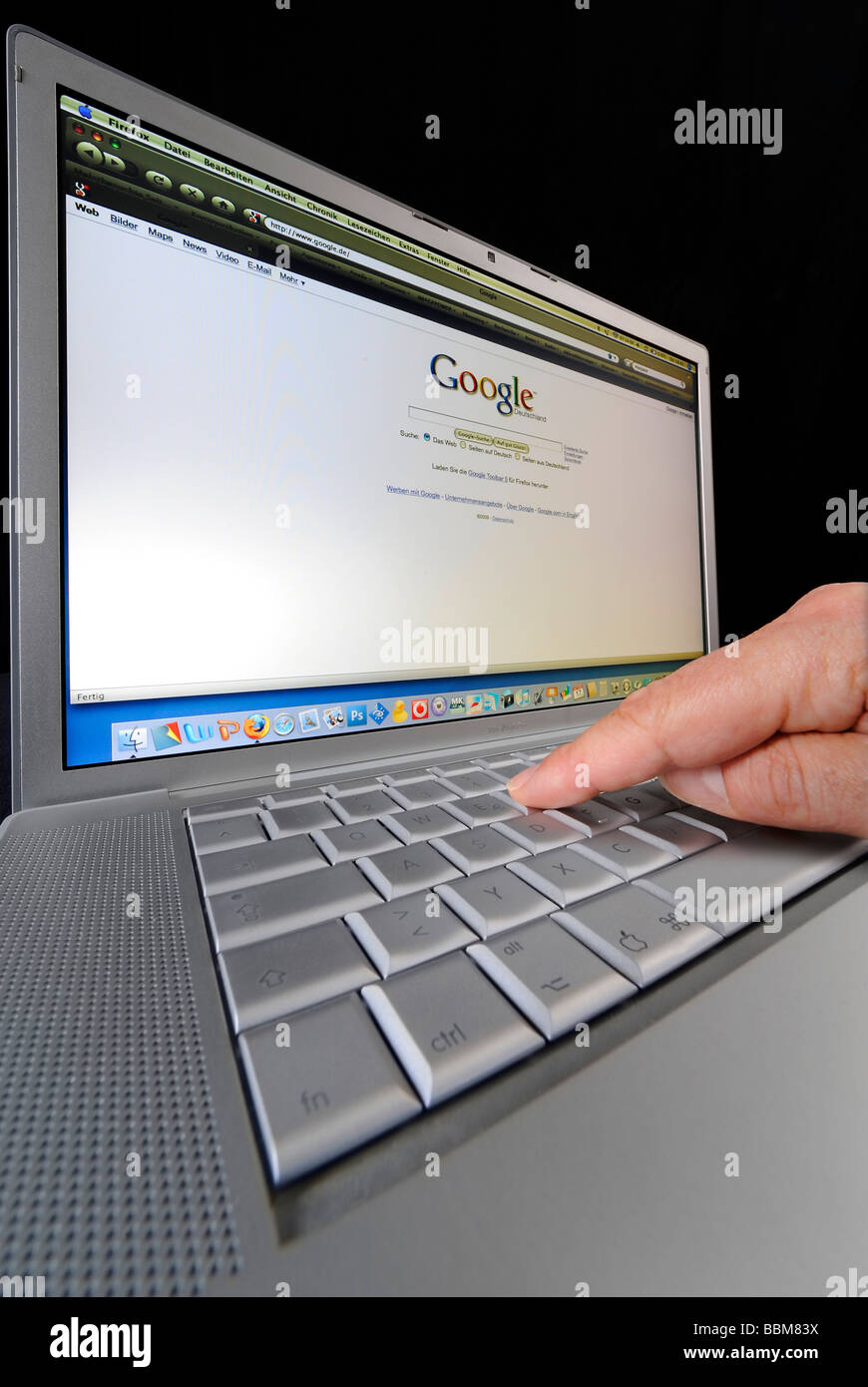 Google search engine displayed on an Apple MacBook Pro Stock Photo